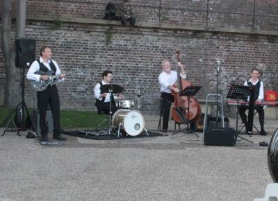 Dirty Martini Swing Band in action