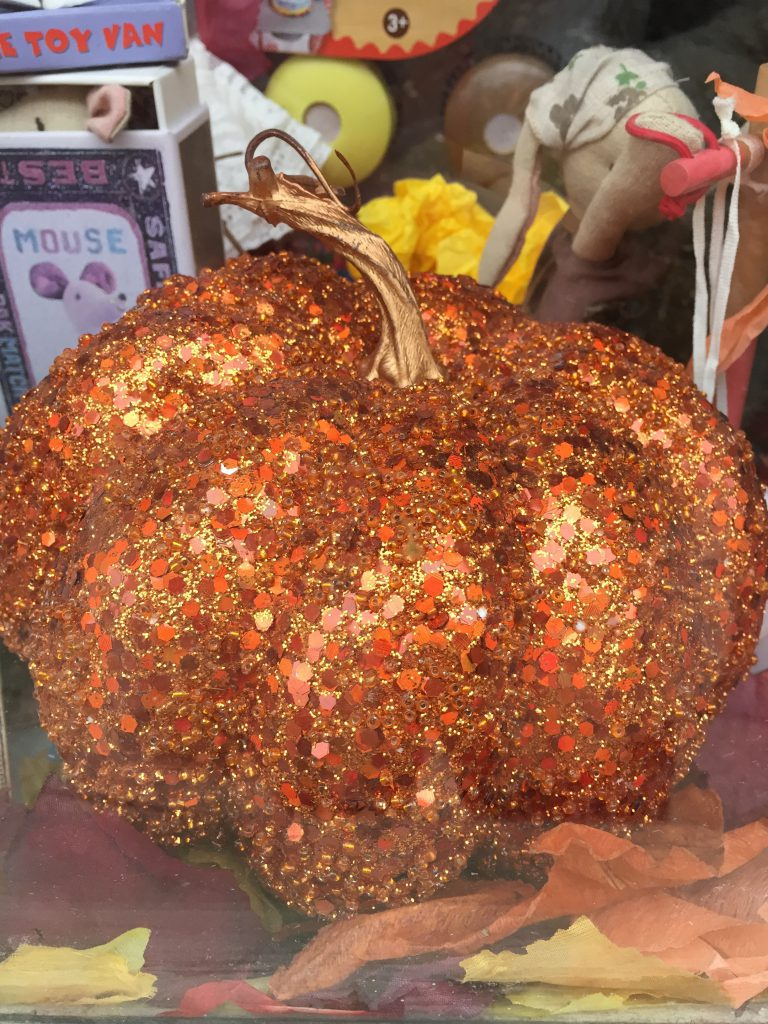 Glitter Pumpkin at Wobbly Wardrobe by Britainy Rae