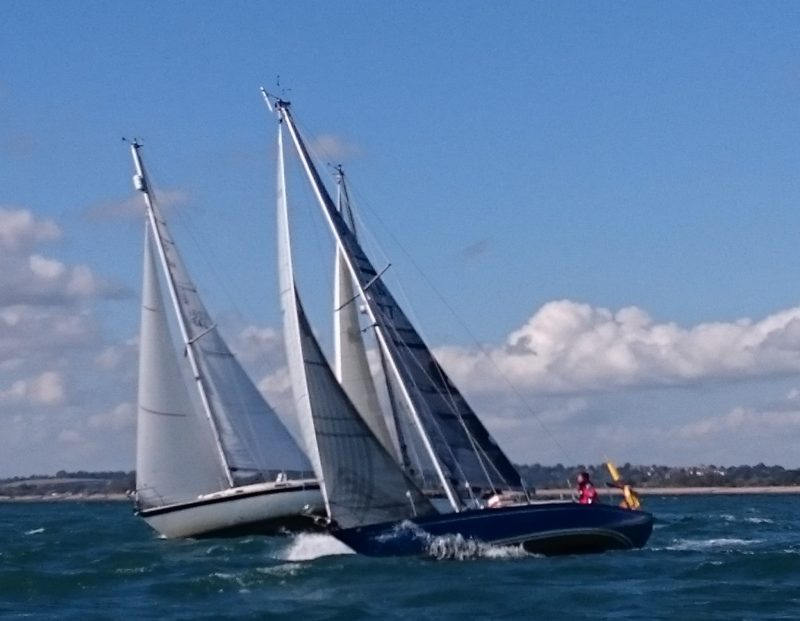 Sailing cruisers racing in Rye Bay