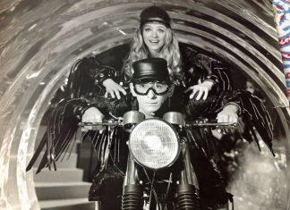 Sue Schlesinger in Tom Jones