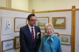 Mayor Jonathan Breeds with Priscilla Ryan at the Tuesday Painters' Exhibition
