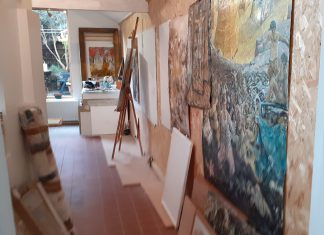 Artist changes the Tuscan into his studio